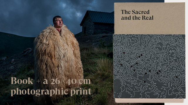 A copy of the book+ a 26x40 cm photographic print