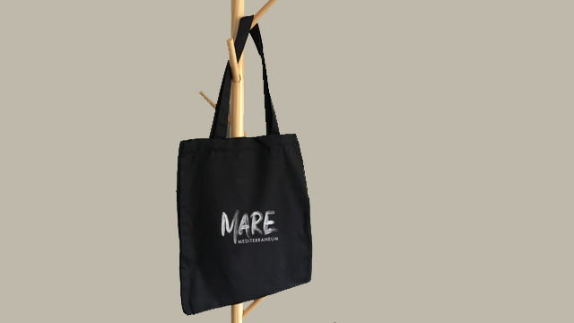 Tote bag with the exclusive design of the documentary