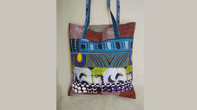 Handbag with an African design made by Bissap Sastreria