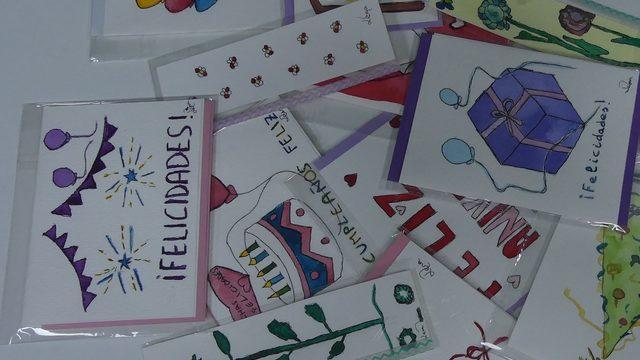 3 libros + 2 postales felic./navidad y dos láminas + 2 marcapáginas