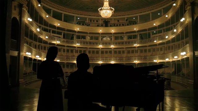 Live 'Antes del primer sonido' en todos sus formatos + Discografía autografiada + Ilustración Original + Concierto + Máster Class...