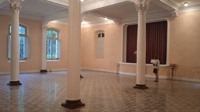 Sopar de primera, concert-projecció Ravid Goldschmidt, jornada fotogràfica Antic Hotel de Montagut