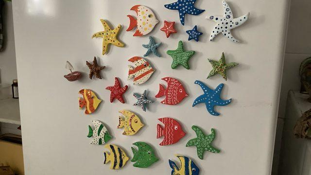 Peces i estrellas de mar hechas a mano