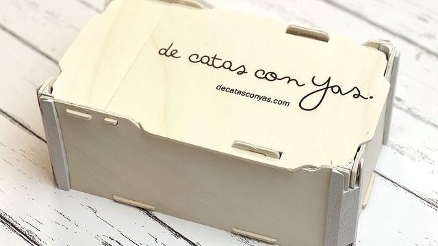 """Caja de miel """"de catas con Yas"""""""