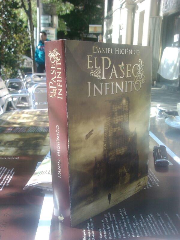 Ya tenemos la maqueta de como quedará la novela... y el punto de libro... Ufff, que poquito queda!