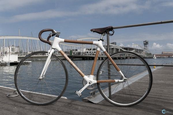 Bamboo Bikes Barcelona a Barceloneta Bikes