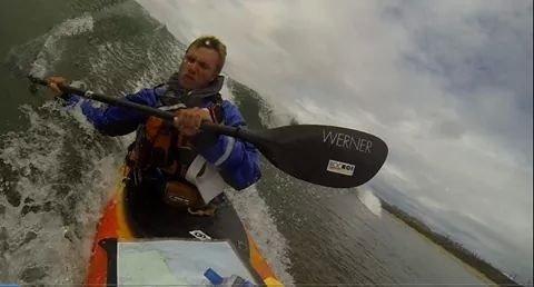 Desembarcaments desafiants amb les onades del Pacífic.