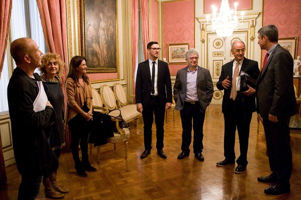 de dreta a esquerra: Jordi Martí Galbis, Josep Cruanyes Tor, Josep Sánchez Cervelló, Roger Heredia Jornet, Gemma Calvet Barot, Carme Barrot Feixat, Marc Antoni Malagarriga Picas