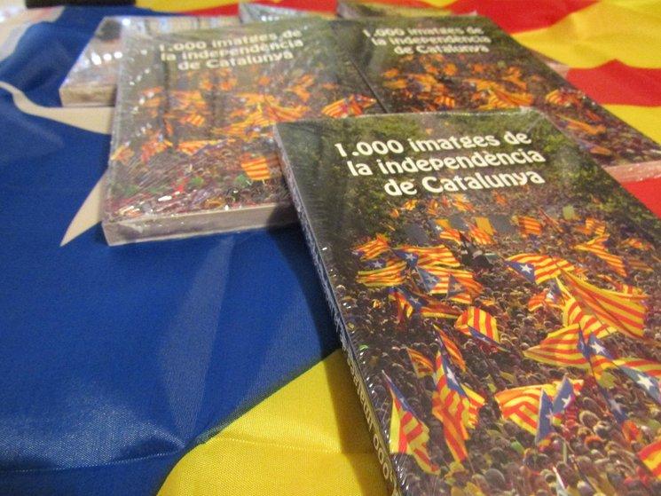Recollida del llibre 1000 imatges de la independència de Catalunya per a mecenes