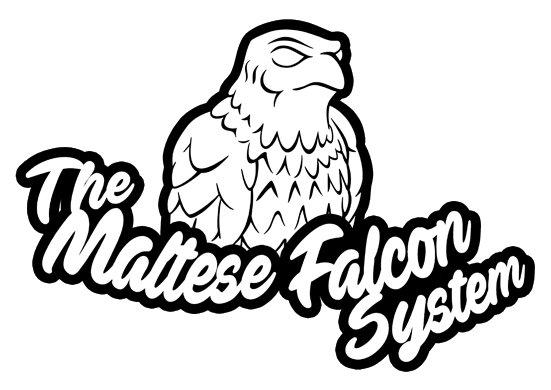 El logotipo del sistema de Hardboiled. El halcón de la estatuilla de la pelicula de 1941 el Halcón Maltés sobre el nombre del sistema. The Maltese Falcon System.