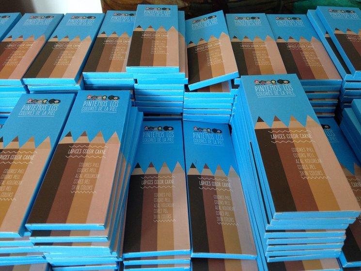 ¡Ya hemos recibido las cajas de colores!