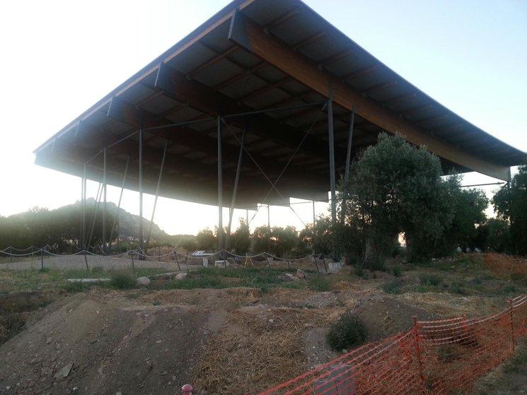"""Cubierta del yacimiento arqueológico """"La Mezquita"""""""