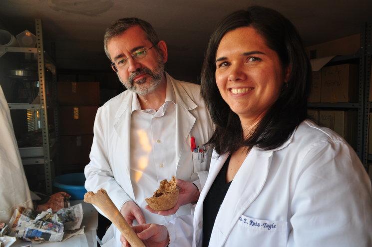 Dra. Elisa Ruíz-Tagle Fernández y Dr. Enrique Dorado Fernández. Profesores asociados del departamento de Toxicología y Medicina Legal de la UCM