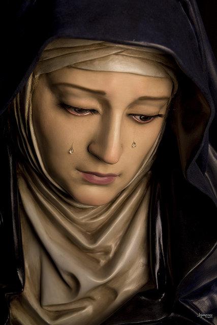 Detalle de la cara de la Virgen