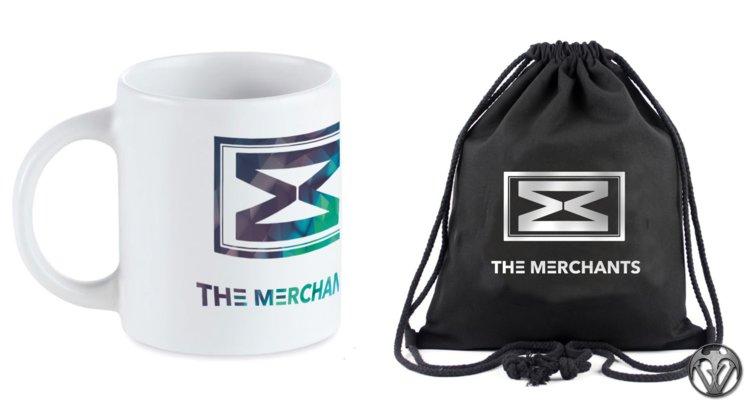 Taza y Mochila incluidos en el Pack Merchantising