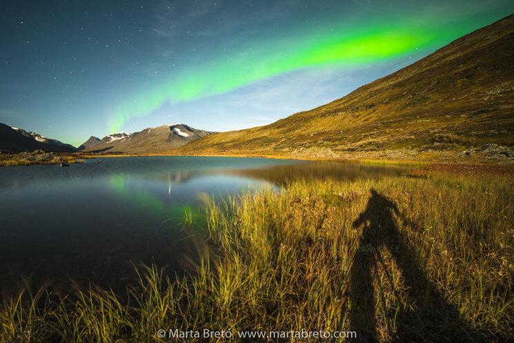 Una de las imágenes descartadas del libro, con una aurora boreal