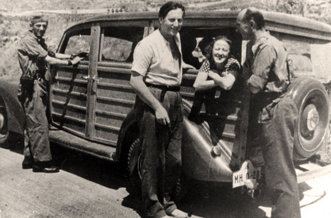 Nordagl Grieg, Gerda Grepp y Ludwig Renn en su visita al frente de Guadalajara. Julio de 1937.