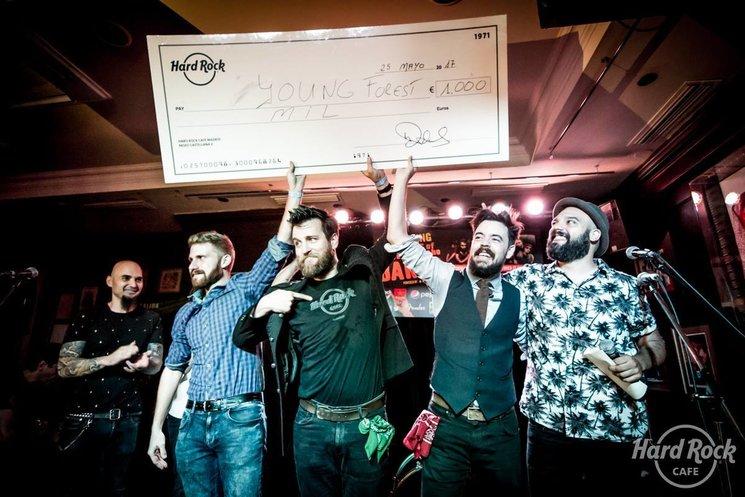 La noche que ganamos Hard Rock Rising. Jorge Vileilla, de Rock FM, gritó nuestro nombre ante cientos de personas que guardaban silencio absoluto esperando conocer al ganador.