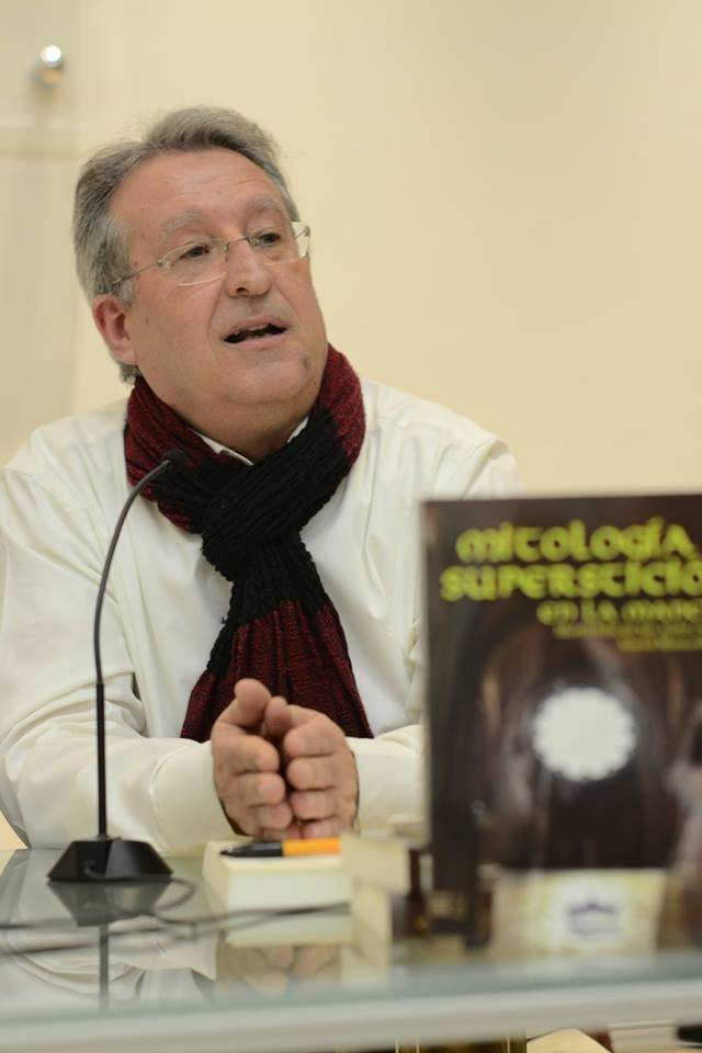 Marcelino Félix, conferencia sobre mitos y supersticiones manchegas