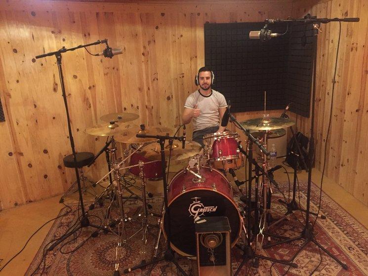 Daniel Martínez (Batería y arreglista del disco).