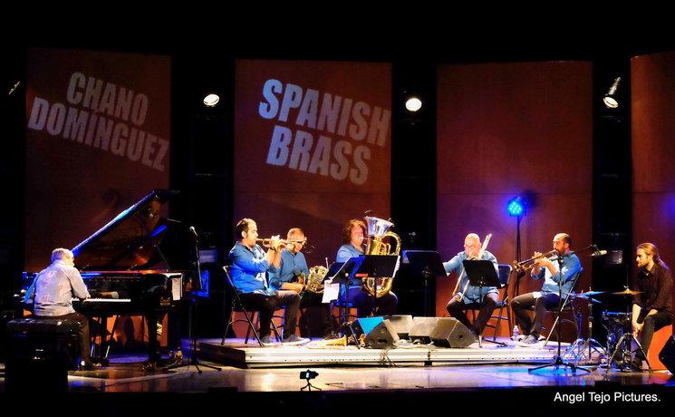 Puro de Oliva en el Gran Teatro de Alzira