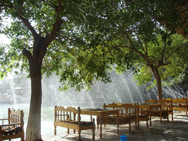 Estanque de Lyabi Hauz, en Bujará