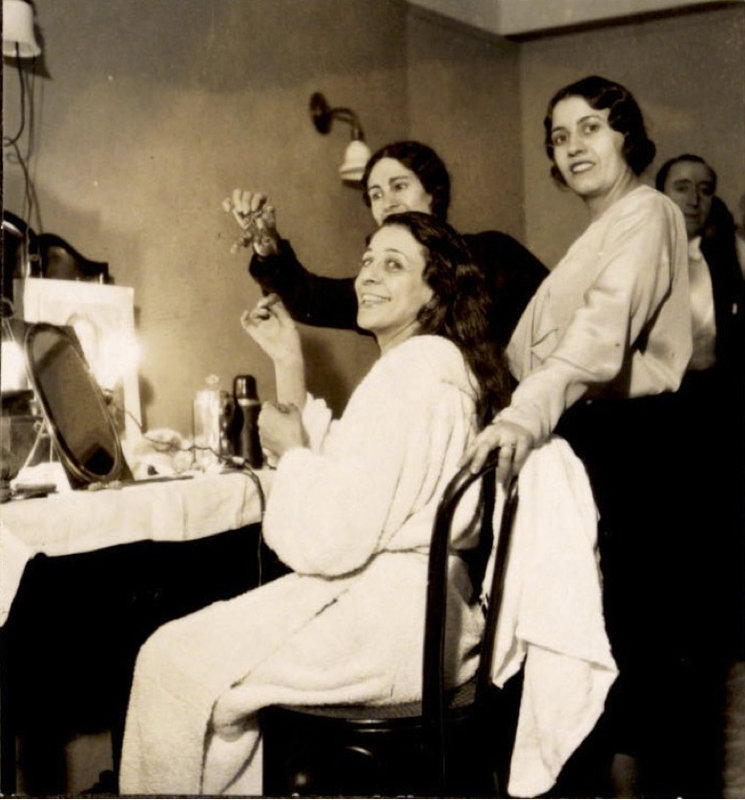 """Notas biográficas: Las giras con """"La Argentina"""" (1929-1931)"""