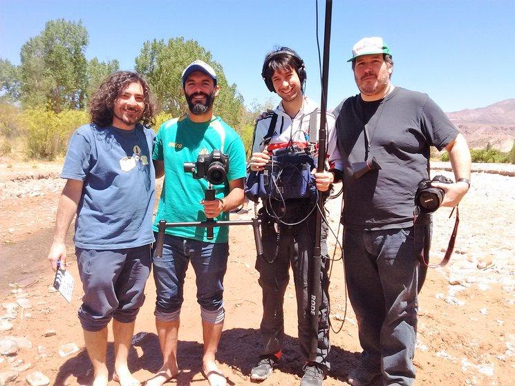 Equipo de rodaje, de izquierda a derecha: Javier García, Andrés Rocca, Julián Mascotto y Martín Frías