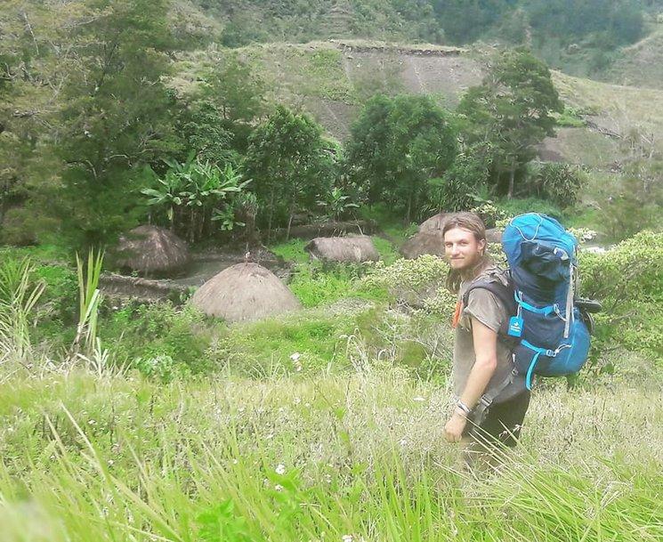 Trekking para llegar a contactar con la tribu de Dani