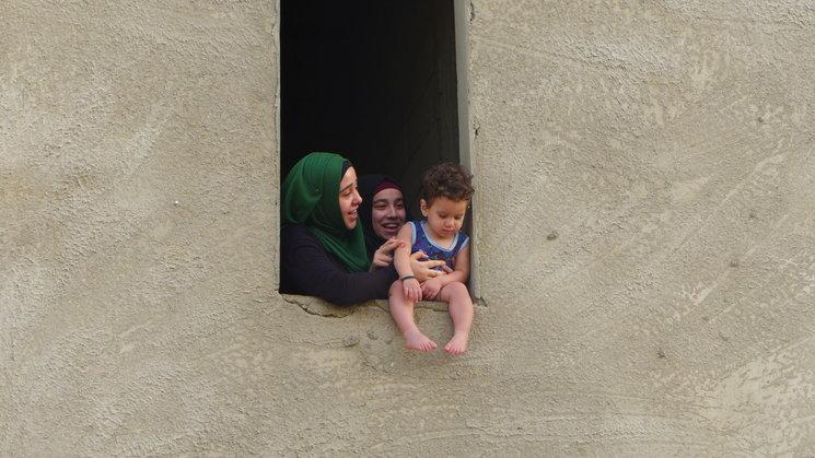 Familia de refugiadas en Aaramoun