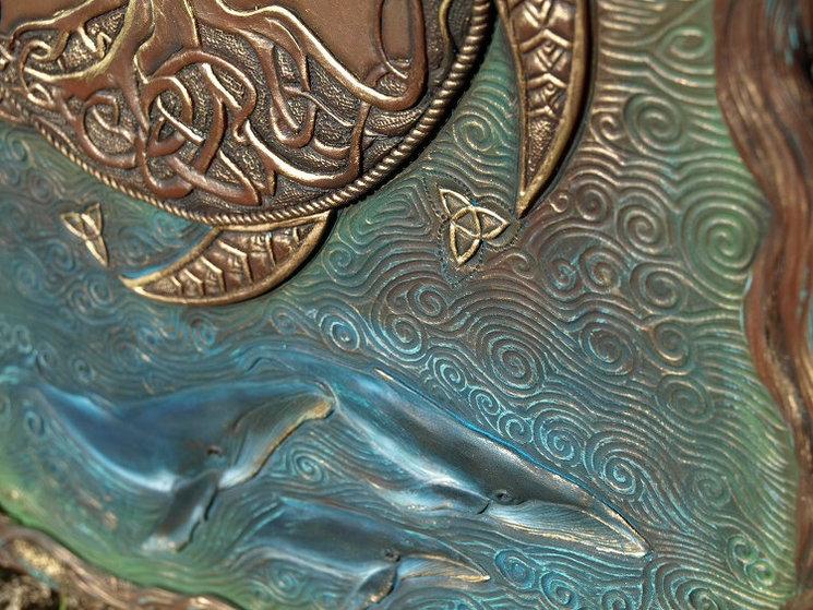 Detalle de las aerlines (ballenas) en la portada de una de las ediciones especiales de