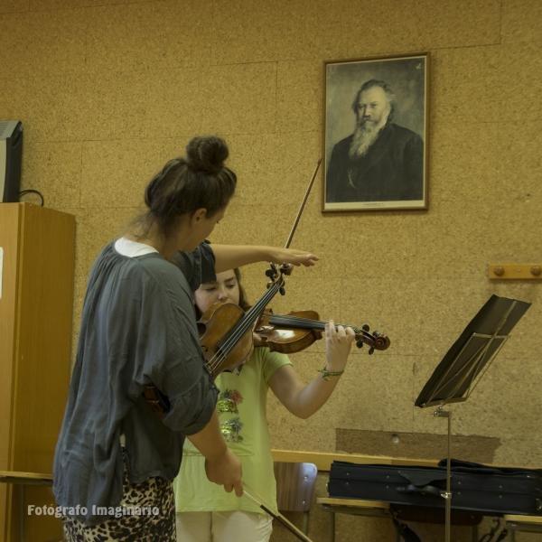 Clase de violín. Amanda Nesa, Suiza.