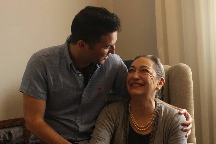Luisa Gavasa, con nuestro director