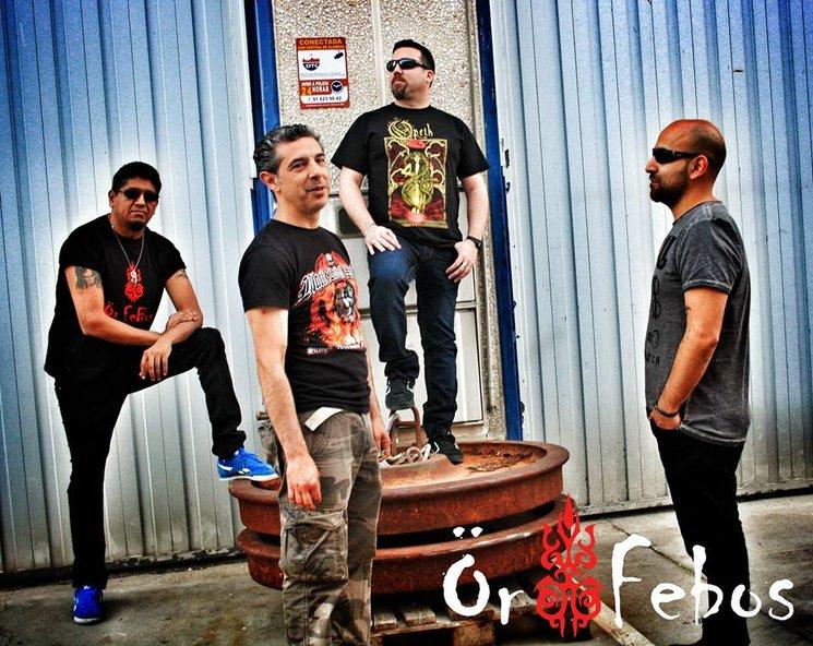 Formación actual: Hache (Voz y Bajo), Fer (Guitarra), Leandro (Batería) y Jorge (Guitarra).