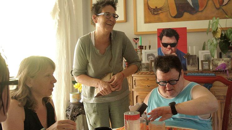 Paco con su hermana Rosa y su amiga Angi