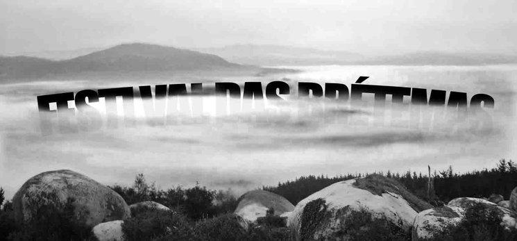 """""""A Brétema tinguiuse dun lilá feminista... Ás veces a néboa coa que espertan todos os días as xentes de Ponteareas fai que alí onde é difícil ver, a imaxinación invente, cree e soñe mundos mellores. Se o entorno anda cargado...DESPEXA A TÚA MENTE!!"""""""