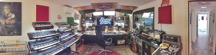 Alamo Shock Pool Studio. Aquí va a ser grabado TORO