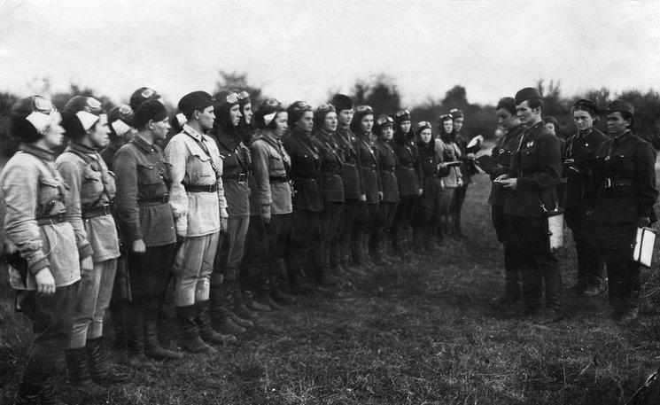 Miembros de esta famosa unidad soviética integrada por mujeres