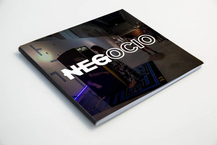 Catálogo de la exposición en papel