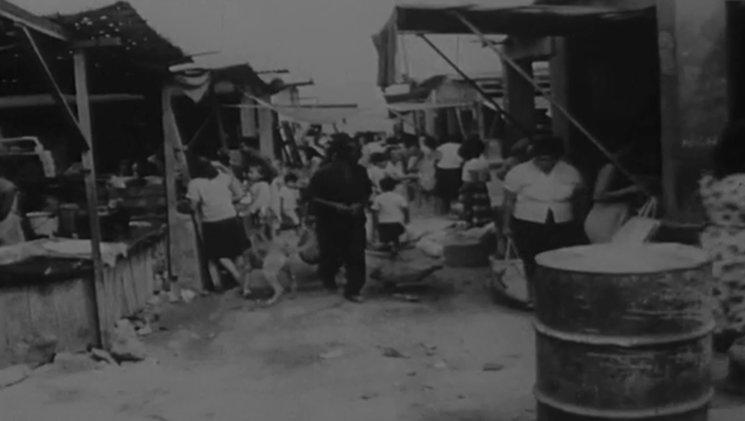 Mercado de El Ermitaño a inicio de la invasión. <br/> Fragmento del documental