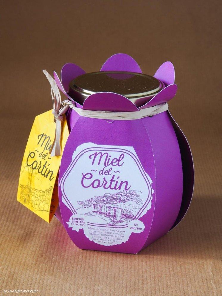 """Tarro de edición limitada y numerada de 500 gramos de """"miel del cortín"""""""