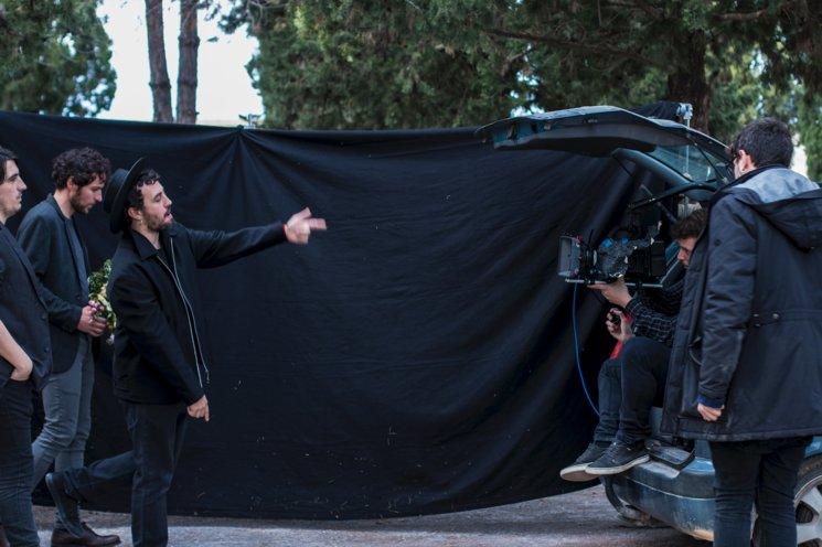 """Moment del rodatge de """"El Cap per avall"""" de ZOO. Foto de Koratge"""