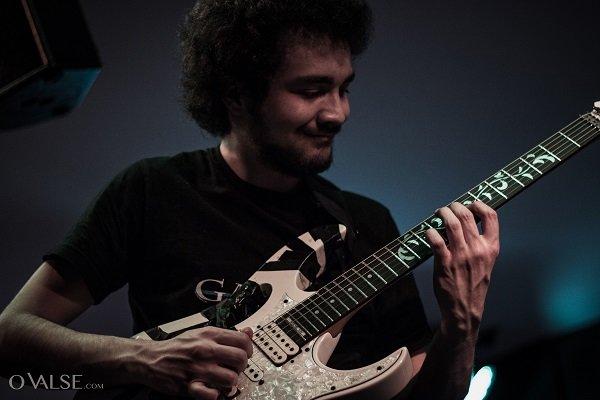 Gabriel, guitarra solista