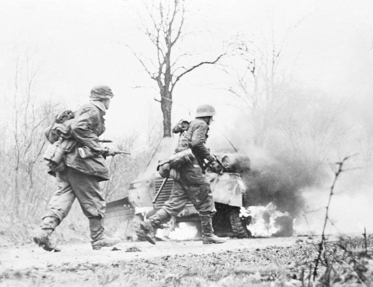 Tropas de las Waffen SS durante la Operación Wacht am Rhein