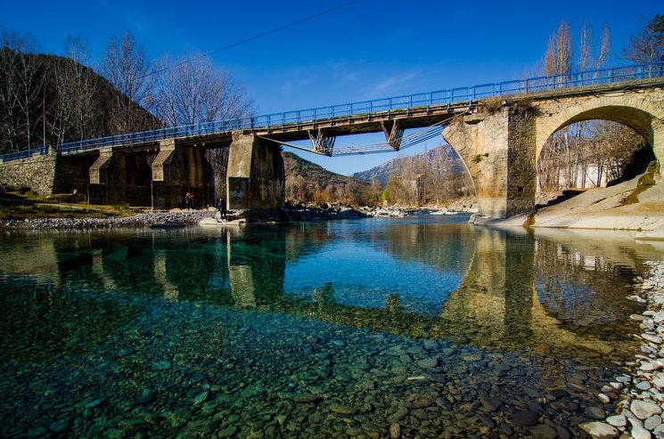 La Gorga de Boltaña. El río Ara en su paso por la localidad.