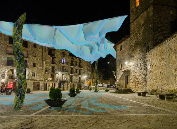 La escultura iluminada creará diferentes ambientes con la regulación de intensidad y la transición de colores.