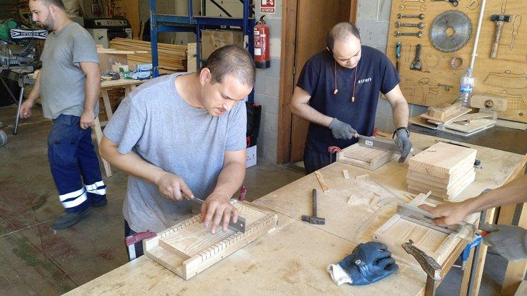 Construcció de caixes niu - Fundació Astres