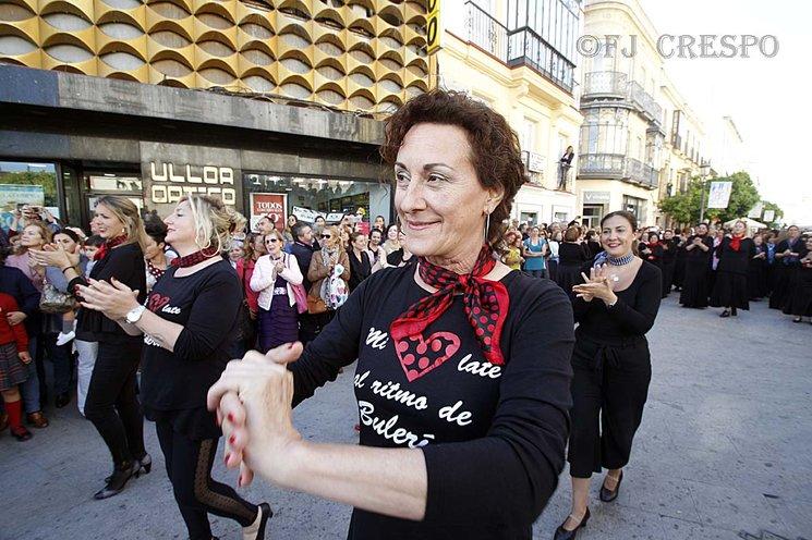 Todo comenzó cuando mi amiga Juana (en primer plano) me dijo que estaba aprendiendo a bailar por Bulerías.