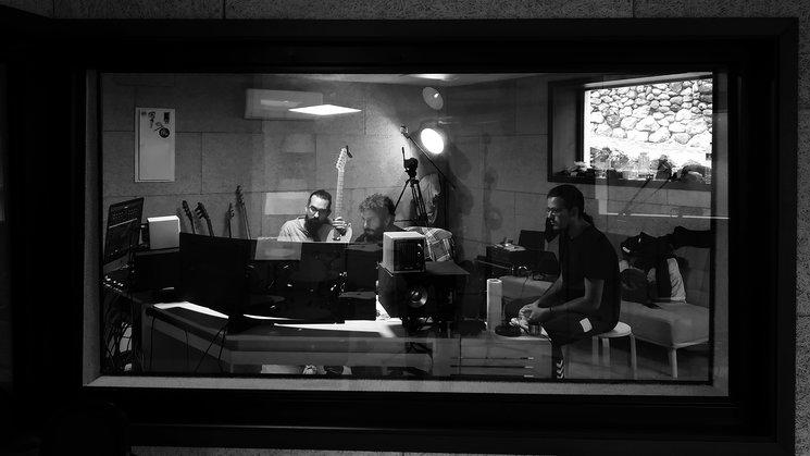 Momentos de grabación con Juanito Makandé a los fogones