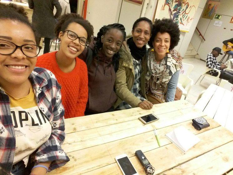 """Encuentro """"nuevos feminismos"""" en La Kúpula."""